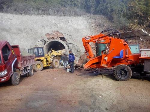 矿井坑下小型扒碴机.jpg